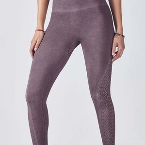 Fabletics Washed Shadow Charlene Capri Tights (M)